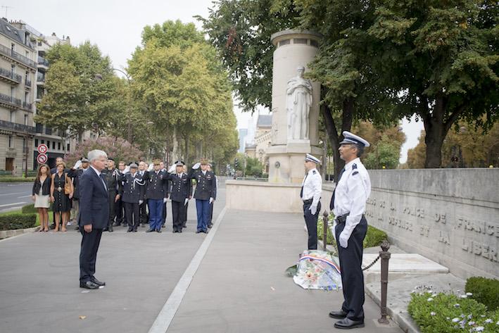 ceremonie monument au morts